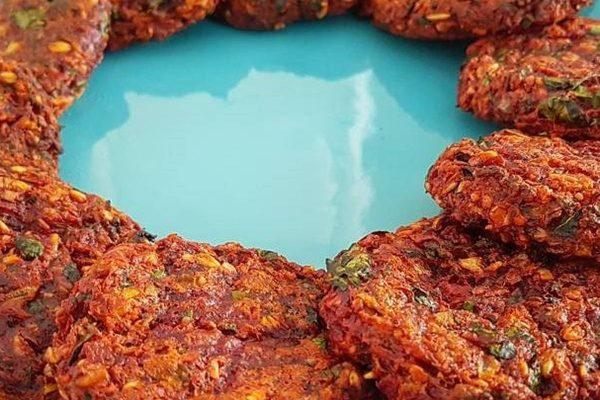 Beetroot Oatmeal Cookies