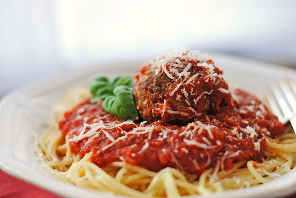 Spaghetti Baked Pork Ribs with Sauce